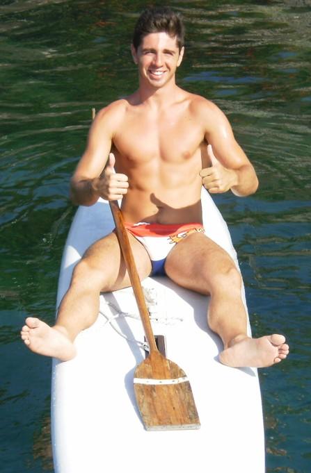 Gianluca Mulà - Ex Cutelli , ora studente di Giurisprudenza 3a anno e istruttore di nuoto. Nel 2009 la 1a escursione, con fotografia non riuscita, ma che stavolta ha recuperato alla grande. -MACARIIDDUNONS'ARRIUDDAVAN'EMERITAMINCHIA-