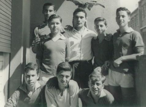 Campionato in parrocchia: Silvio Risicato - Santo Crispi - Giovanni Minuto - Nello Scuto - Toni Raimondo - Alfio Paola - Nino Strano - Gaetano Gioeni (4 Settembre 1960)