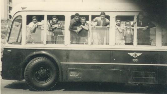 2 ottobre 1960: TIFOSI AL SEGUITO - Sconosciuto il 1° -Turi Li Santi - Nunzio Ardita - Italo Rapisarda - Nuccio Zammataro - Girolamo Di Stefano - Augusto Rapisarda - Nicala Romano